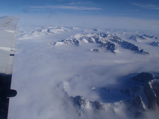 Pangnirtung, Canada: view flying over