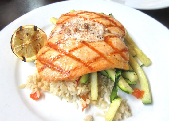 Mama Stortini's Restaurant & Bar: Salmon with Hazelnut Butter, Mam Stortini's, Kent, WA