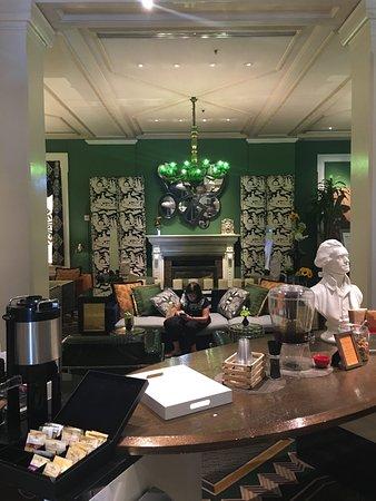 Kimpton Hotel Monaco Washington DC: Lobby area