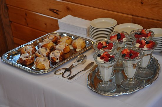 Carmel Cove Inn at Deep Creek Lake : Wake up to deliciousness, every morning