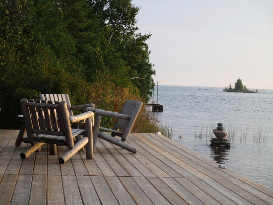 Bear Cove Bed and Breakfast: Part of the dock with Lake Huron.
