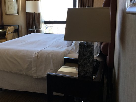Westin Portland: Smallish but cozy