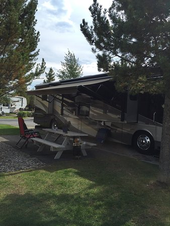 Yellowstone Grizzly RV Park: photo1.jpg