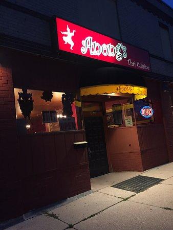 Anong 39 s thai cuisine asian restaurant 620 central ave for Anong thai cuisine