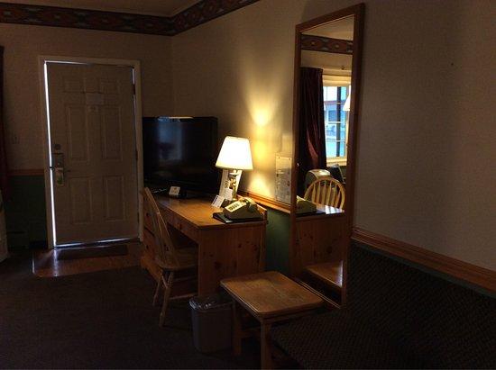 Royal 7 Budget Inn: photo4.jpg