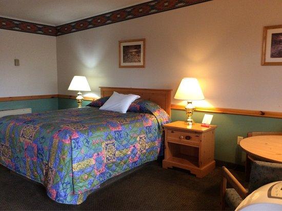 Royal 7 Budget Inn: photo5.jpg