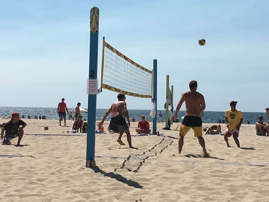 Hermosa Beach Pier Volleyball Is Mandatory On