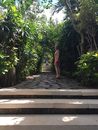 Plataran Canggu Resort & Spa: Beautiful pathway at the Plataran