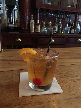 Jamestown, Californie : Old Fashioned at historic bar.