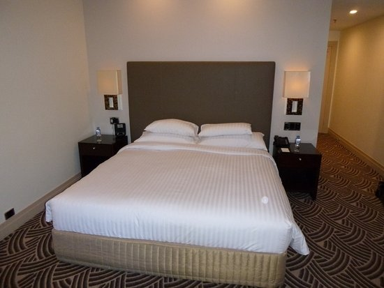 Hyatt Hotel Canberra: Bed