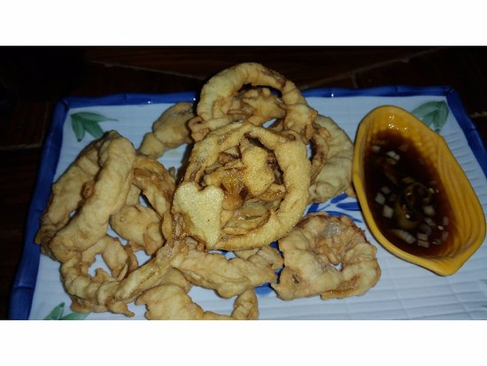 Colonia, Mikronesiaføderasjonen: Onion rings with a soy-based dipping sauce
