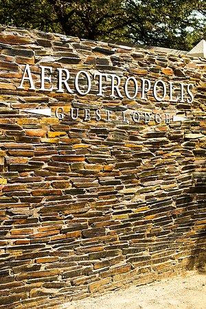 Aerotropolis Guest Lodge