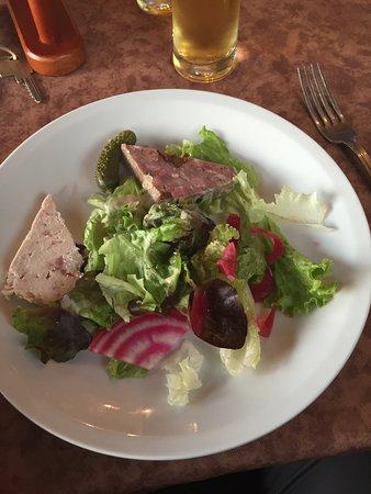 Lanslevillard, Francja: Salade avec terrine
