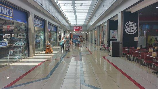 Centro commerciale tiburtino centro commerciale for Centro commerciale campania negozi arredamento