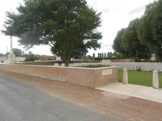 Somme, France : Partie gauche du cimetière