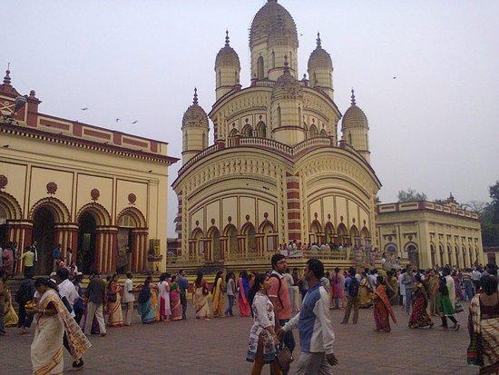 Dakshineswar Kali Temple: Dakshineswar Maa Kali Temple