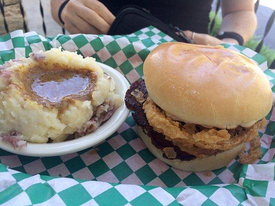 Arden, NC: Mashed potatoes and Cowboy burger