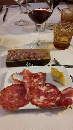 Azzate, Italia: 20160902_211815_large.jpg