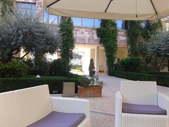 Hotel Cenacolo: 20160904_085202_large.jpg