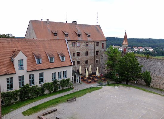 Abenberg, Germania: Hotel courtyard