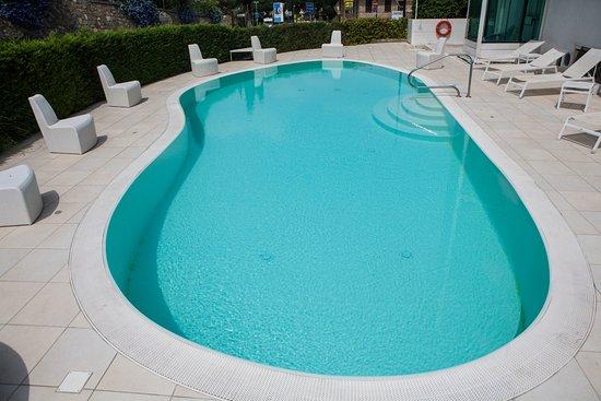 Hotel Iva -Piscina- Riviera dei Fiori