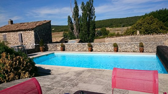 Simiane-la-Rotonde, França: TA_IMG_20160904_105153_large.jpg