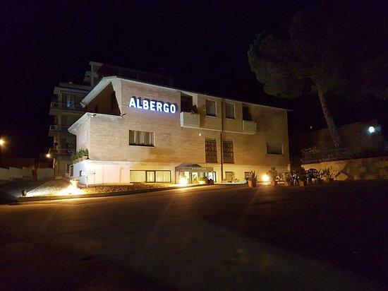 Hotel I Platani: 20160903_205906_large.jpg