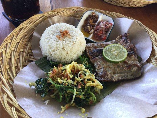 Matahari Tulamben Resort, Dive & SPA: un atun recien pescado, delicioso!