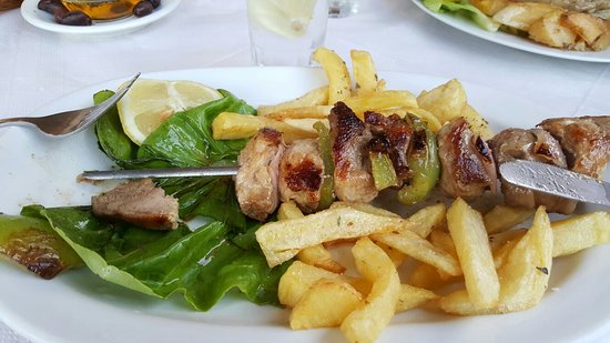 Theritas Restaurant: 20160828_200147_large.jpg