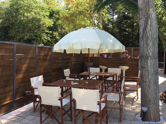 Anastazia Luxury Suites & Rooms: POOL BAR