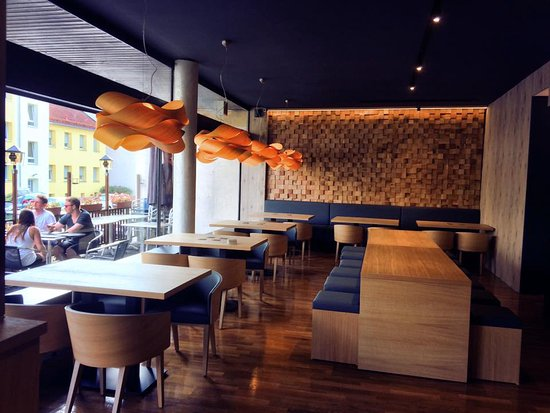 ... Moderne Einrichtung. Su Chin: Das Restaurant Wurde Neu Renoviert