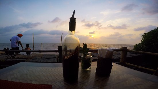 Chilliout Cafe Cherai beach : Waiting for the food has never been so beautiful.