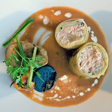Brionne, Francja: Maki d'aubergines aux crevettes et tourteaux