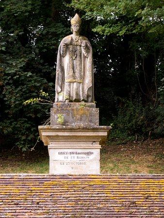 Val-d'Oise, Francja: Statue de Saint-Romain