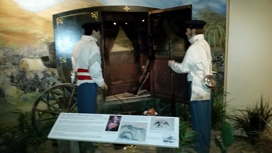 Illinois State Military Museum: The leg capture