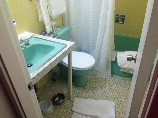 Wonder View Inn: Livingston House - room A4 bathroom