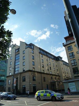 Macdonald Holyrood Hotel: Außenansicht
