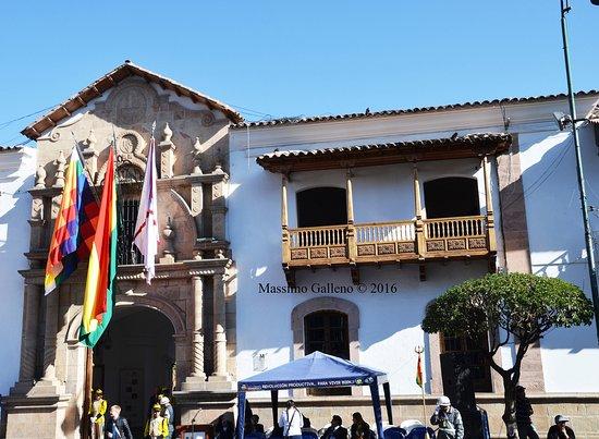 Casa de la Libertad che si affaccia su Plaza 25 de mayo