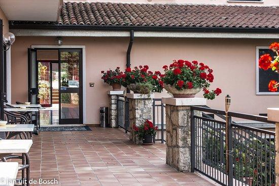 Hotel Miralago San Zeno Di Montagna