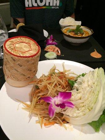 Noi Thai Cuisine: som tam