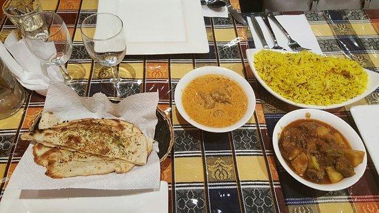 Dhaka Restaurant: 20160826_205015_large.jpg