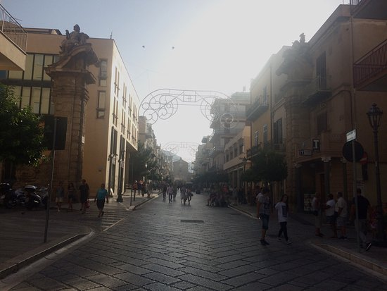 Corso Umberto I: photo0.jpg