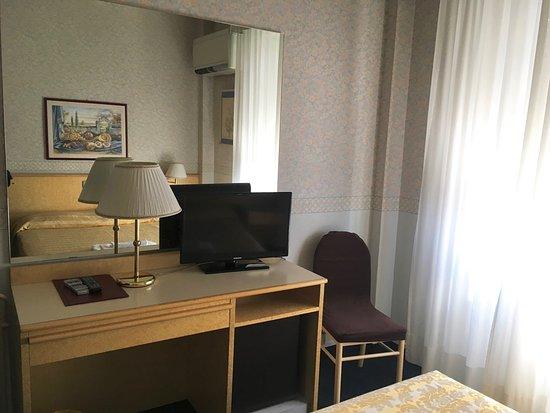 Hotel dei Fiori: lato giorno