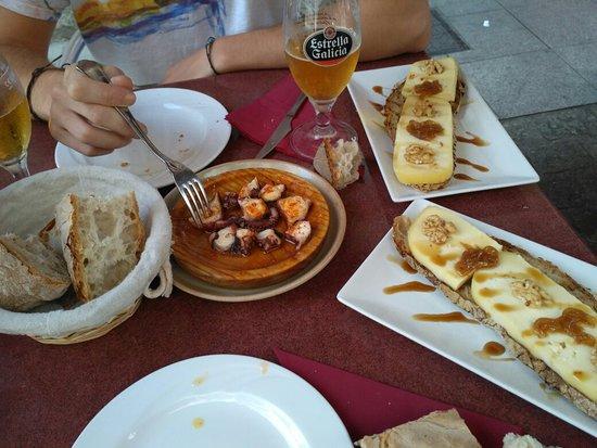 cafe-bar xuntanza-taperia