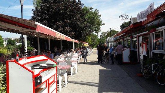 Joinville-le-Pont, Francia: 20160903_134202_large.jpg