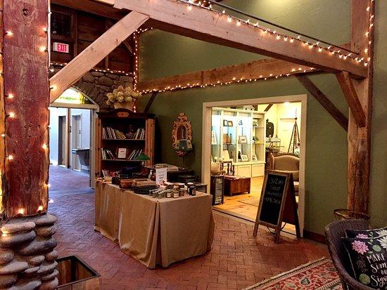 Mount Tremper, Estado de Nueva York: shops on site
