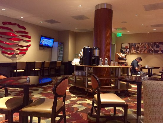 Washington Dulles Airport Marriott: Pool area