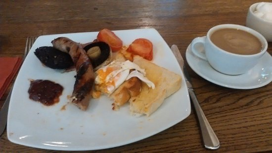 Snape, UK: Full english breakfast