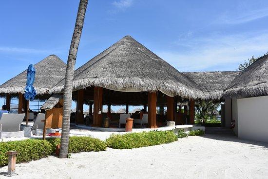 Sand Bar von Dusit Thani Maldives