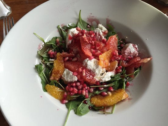 padraicins : Delicious goats cheese and pomegranate salad